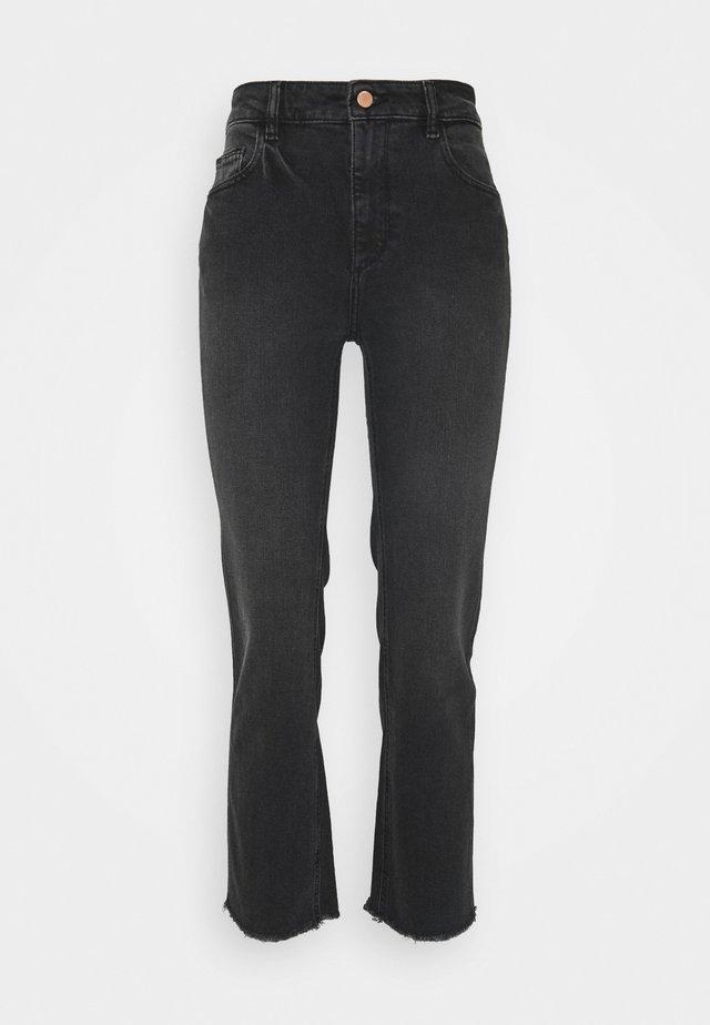PATTI HIGH RISE STRAIGHT - Jean bootcut - corvus