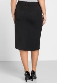 Sheego - Pencil skirt - schwarz - 2