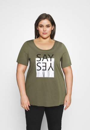 BOXY TEE WITH FOLD UP - Print T-shirt - ivy green