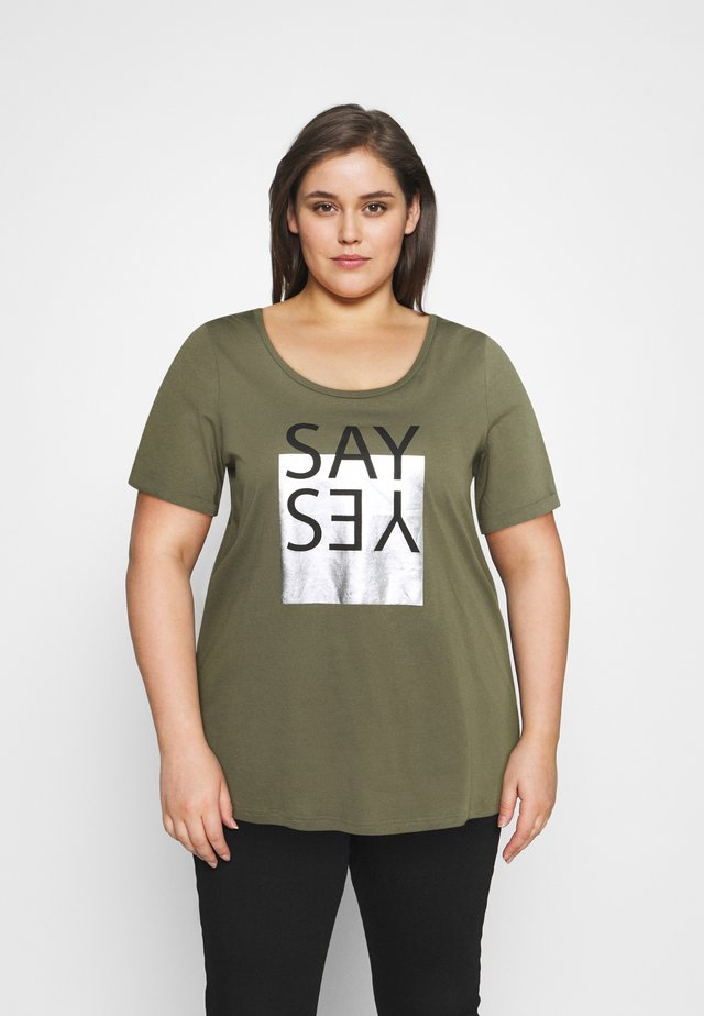 BOXY TEE WITH FOLD UP - Triko s potiskem - ivy green