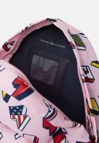 Tommy Hilfiger - KIDS CORE MINI BACKPACK - Zaino - pink - 2