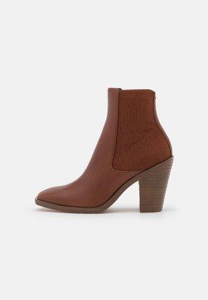 AXEL CHELSEA - Korte laarzen - matter brown