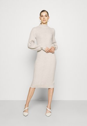 OBJMAKENZY DRESS - Neulemekko - silver gray