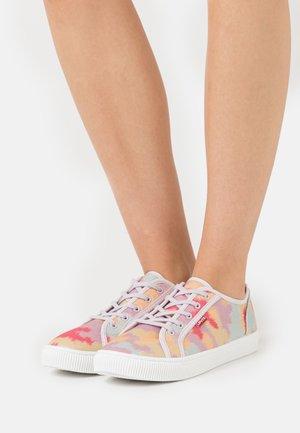 MALIBU BEACH  - Sneakers basse - lilac