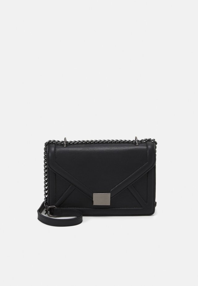 ENVELOPE BOXY XBODY BAG - Sac bandoulière - black