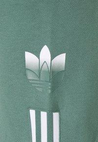 adidas Originals - Shorts - hazy emerald - 7