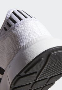 adidas Originals - SWIFT SPORTS STYLE SHOES - Sneakers laag - white - 7