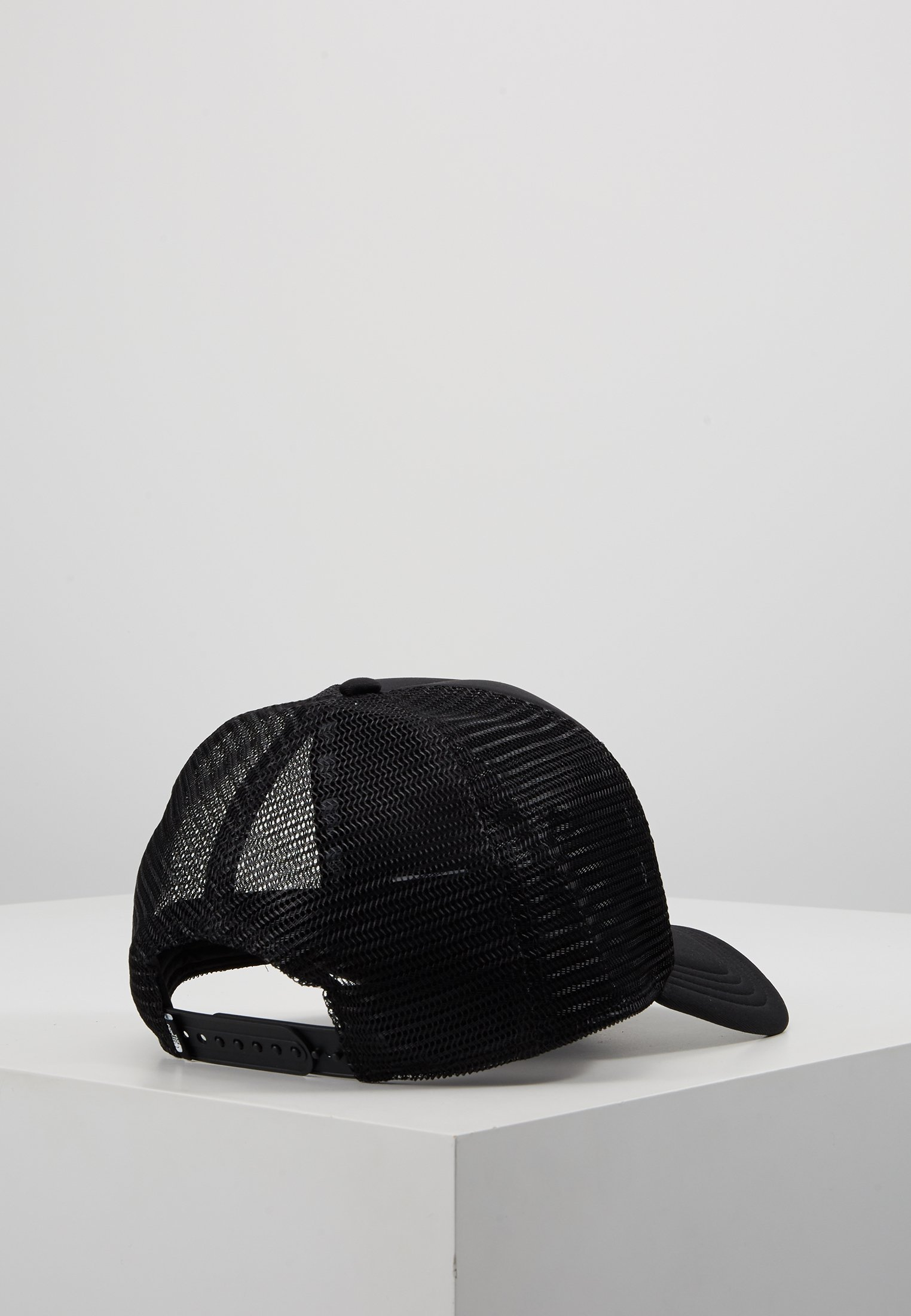The North Face LOGO TRUCKER - Cap - black/white/svart R9l3qLYq2YNbST0
