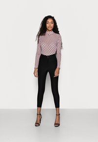 Missguided Petite - SPOT BODYSUIT - Blouse - baby pink - 1