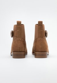 ONLY SHOES - ONLBOBBY LIFE BUCKLE BOOT  - Classic ankle boots - cognac - 3