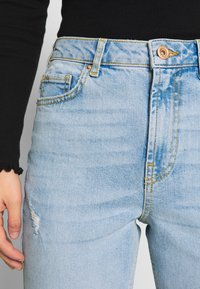 Pieces - PCLEAH MOM - Jeans relaxed fit - light blue denim - 4