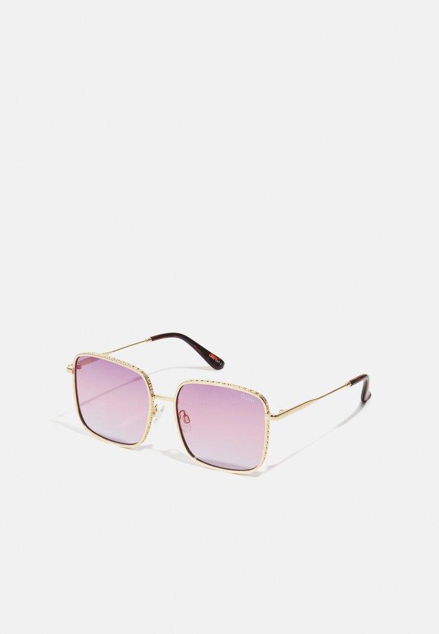REAL ONE - Occhiali da sole - gold-coloured/ purple pink