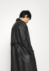 Deadwood - TERRA COAT - Trenchcoat - black - 3