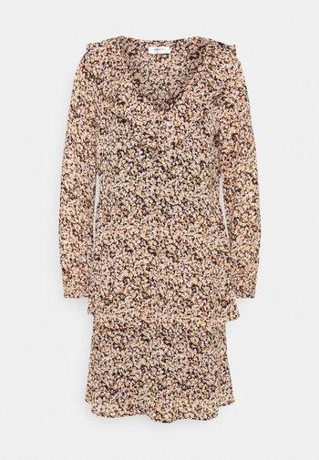 MERILA RIKKELIE DRESS