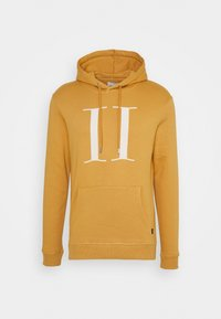 spruce yellow/off white