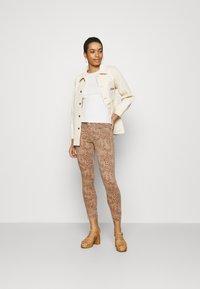 Mos Mosh - SUMNER LEO PANT - Jeans Skinny Fit - cuban sand - 1
