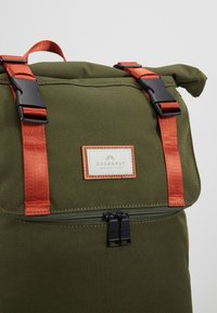 Doughnut - CHRISTOPHER - Rucksack - army with rust straps - 10