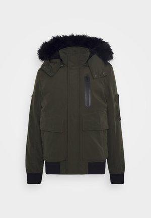 SMU FRANK - Zimní bunda - army