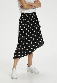 black / white smoke polka dot