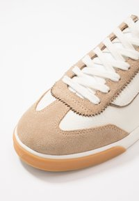 Faguo - TENNIS WELLINGTON - Sneakers basse - white - 5