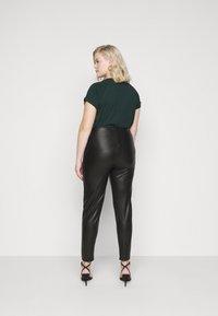 Dorothy Perkins Curve - CURVE  - Leggings - black - 2