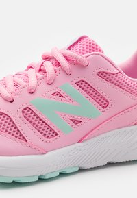 New Balance - 570 LACES UNISEX - Scarpe running neutre - pink - 5