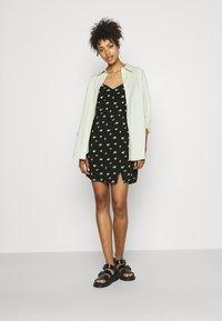 Hollister Co. - SHORT DRESS - Sukienka letnia - black - 1