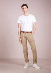 BOSS - REGULAR FIT - Pantalon classique - light pastel / brown - 1
