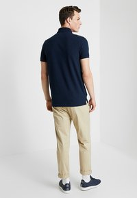Hollister Co. - HERITAGE SLIM SOLID - Polo shirt - navy - 2