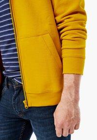 s.Oliver - LANGARM - Zip-up sweatshirt - yellow - 5