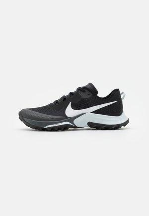 AIR ZOOM TERRA KIGER 7 - Běžecké boty do terénu - black/pure platinum/anthracite
