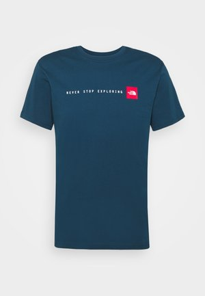 NEVER STOP EXPLORING TEE - T-shirt print - monterey blue