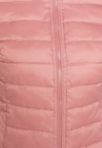 ONLY - ONLNEWTAHOE QUILTED JACKET - Light jacket - withered rose - 6