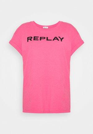 T-shirt print - pink cyclamen
