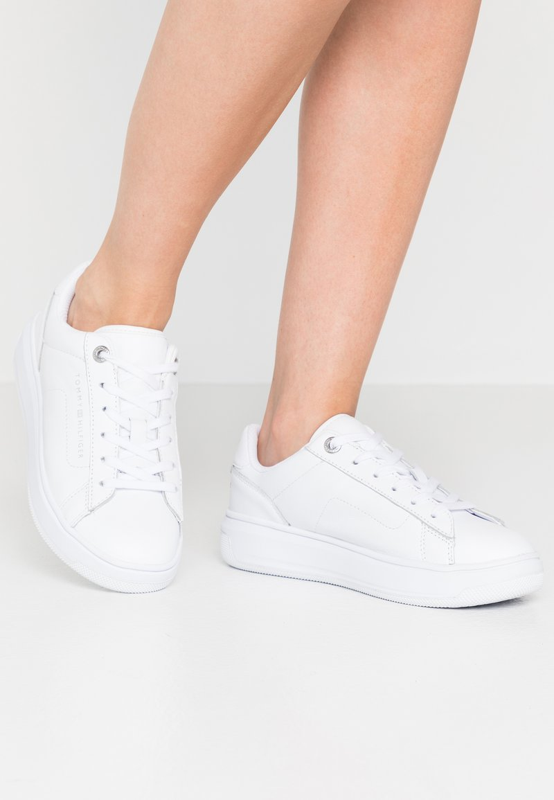 Tommy Hilfiger - CUPSOLE - Trainers - white