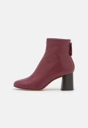 NADIA SOFT HEEL BOOT - Korte laarzen - burgundy