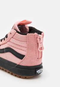Vans - SK8 ZIP MTE-1 - High-top trainers - powder pink/black - 5