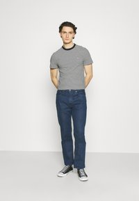 Levi's® - WELLTHREAD 551Z™ AUTHENTIC STRAIGHT - Straight leg jeans - dark indigo - 1