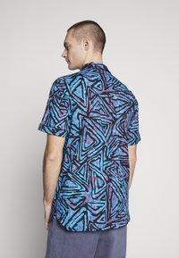 Nike SB - Overhemd - laser blue/watermelon/black - 2