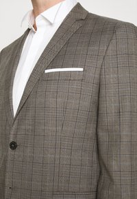 Selected Homme - SLHSLIM CHECK SUIT SET - Completo - sand - 7