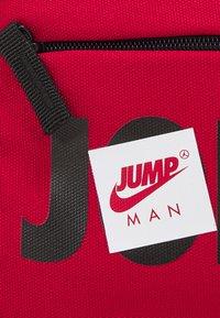 Jordan - JUMPMAN BAG - Bum bag - gym red - 3