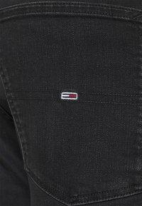 Tommy Jeans Plus - Slim fit jeans - black denim - 3