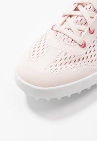 Puma Golf - MONOLITE CAT EM - Golf shoes - rosewater/rapture rose - 5