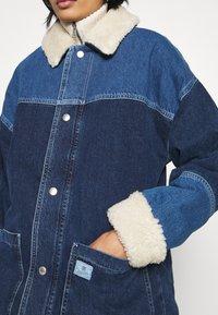 BDG Urban Outfitters - DYLAN DONKEY JACKET - Denim jacket - indigo - 5