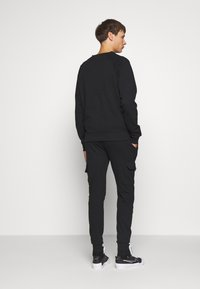 CLOSURE London - UTILITY CREWNECK - Sudadera - black - 2