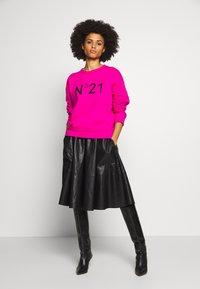 N°21 - Sweatshirt - pink - 1