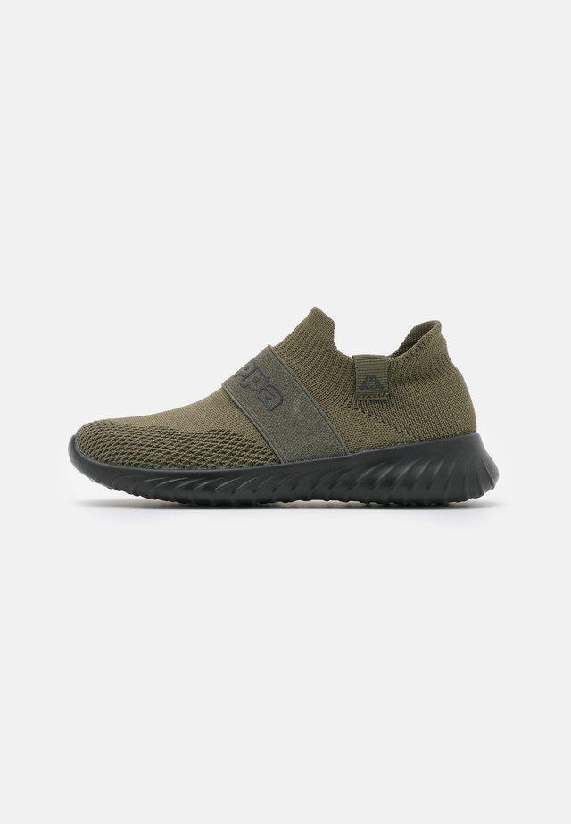 PEC UNISEX - Sportovní boty - army/black