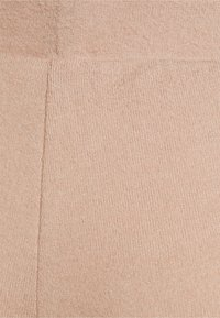 Pieces Maternity - PCMPAM FLARED PANT - Trousers - warm taupe - 5