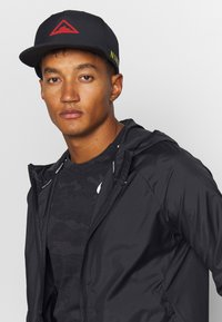 Nike Performance - DRY PRO TRAIL UNISEX - Gorra - black - 0