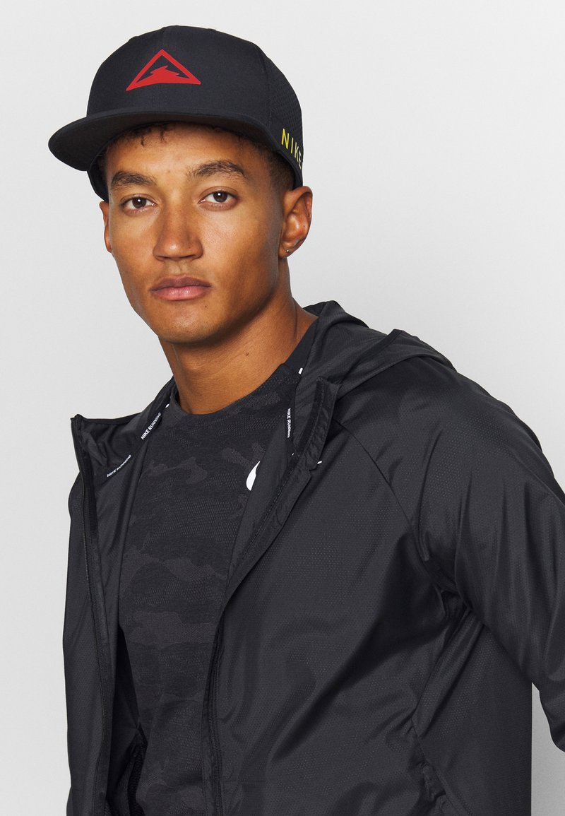 Nike Performance - DRY PRO TRAIL UNISEX - Gorra - black